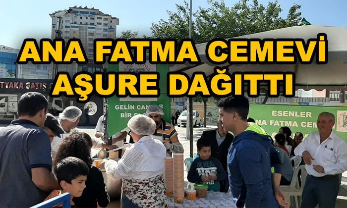 Ana Fatma Cemevi Aşure Dağıttı